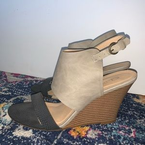 Navy/Gray Wedge Sandal